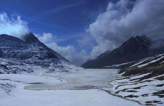 13-high-altitude-mountain-passes-sela-pass-tawang-621x400
