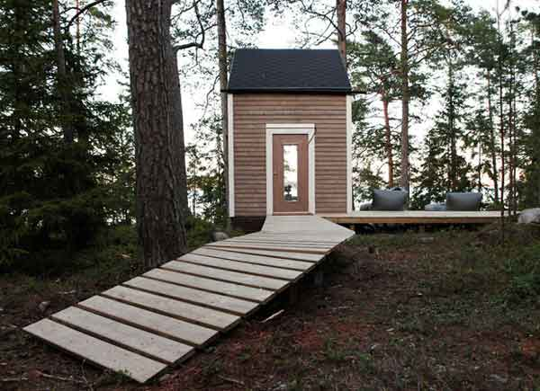 top-7-most-secluded-homes-in-world-Finish-Micro-House-in-the-Woods