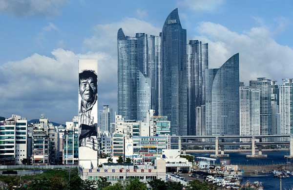 giant-street-art-around-the-world-in-pictures-10