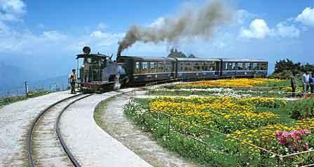 india-most-beautiful-rail-tours-6