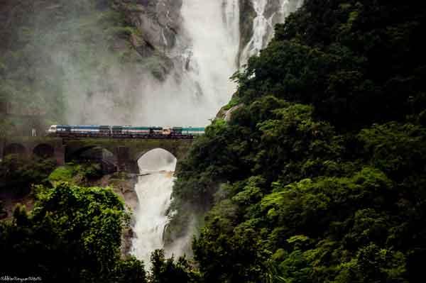india-most-beautiful-rail-tours-Goa_express