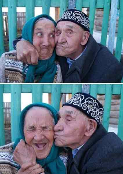 old-couple-showing-young-love