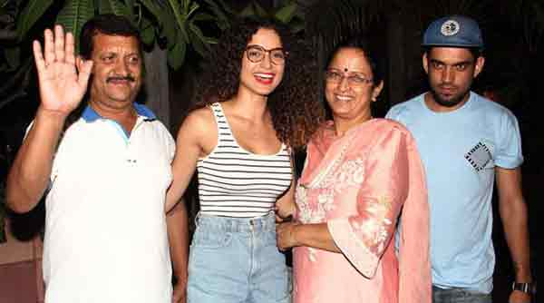 kangan-aranaut-parents