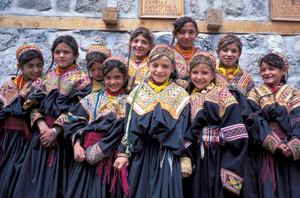 children-of-hunza-tribe