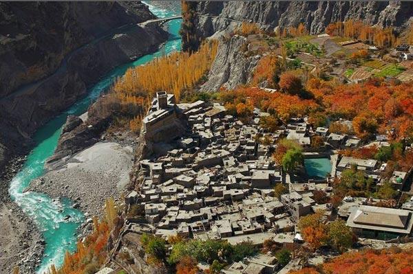 hunza-valley-border-kashmir-china