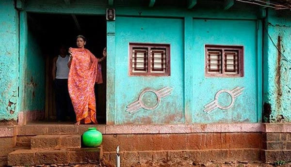 mysterious-place-in-india-door-less-houses-Shani-Shignapur