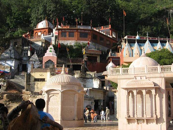 mysterious-place-in-india-jwala-ji-temple