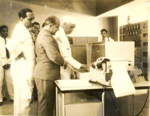 first-digital-computer-in-india