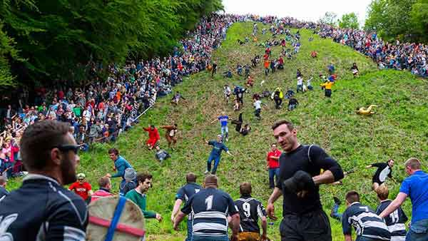 coopers-hill-cheese-rolling-and-wake