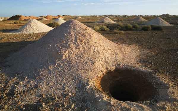 hole-in-desert