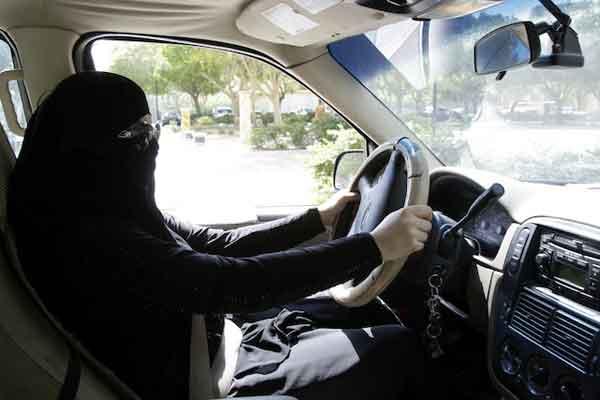 women-not-allowed-to-drive-a-car-saudi-arabia