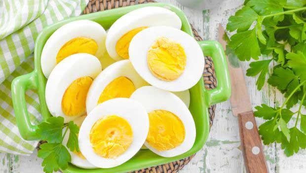 अंडा खाना