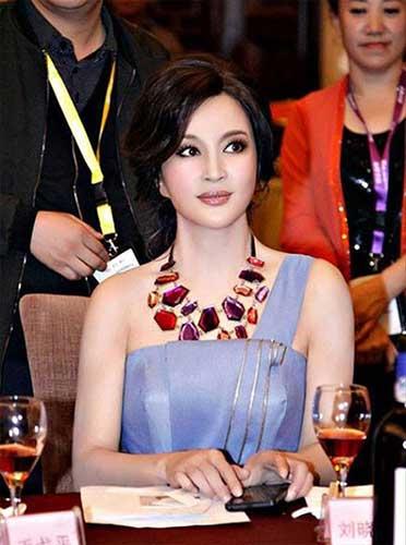 frozen-beauty-chinese-actress-liu-xiaoqing