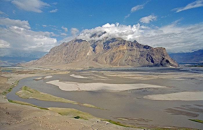 पाकिस्तान के स्कर्दू प्रांत में सिंधु नदी